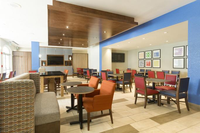 Holiday Inn Express & Suites S Lake Buena Vista | Kissimmee, FL, 34746 | Photo Gallery - 69