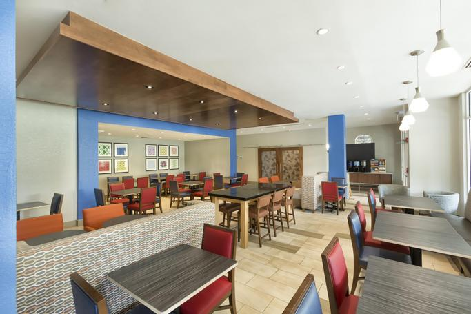 Holiday Inn Express & Suites S Lake Buena Vista | Kissimmee, FL, 34746 | Photo Gallery - 72