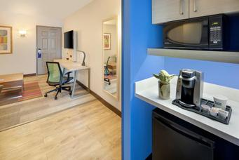 Holiday Inn Express & Suites S Lake Buena Vista | Kissimmee, FL, 34746 | Photo Gallery - 17