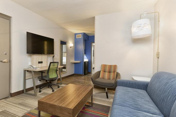 Holiday Inn Express & Suites S Lake Buena Vista | Kissimmee, FL, 34746 | Photo Gallery - 15