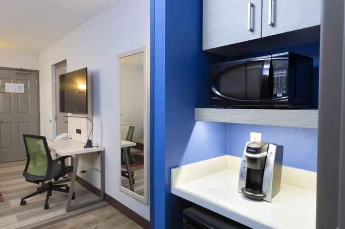 Holiday Inn Express & Suites S Lake Buena Vista | Kissimmee, FL, 34746 | Photo Gallery - 12